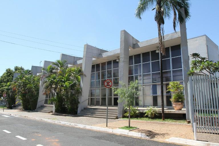 http://www.riopreto.sp.leg.br/a-cidade/imagens/teatro-municipal-humberto-sinibaldi-neto/image_large