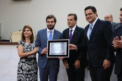 Rodrigo Sérgio Dias recebe título de Cidadão Honorário