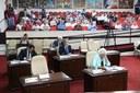 Vereadores aprovam sete projetos; CEI da Emurb é instalada